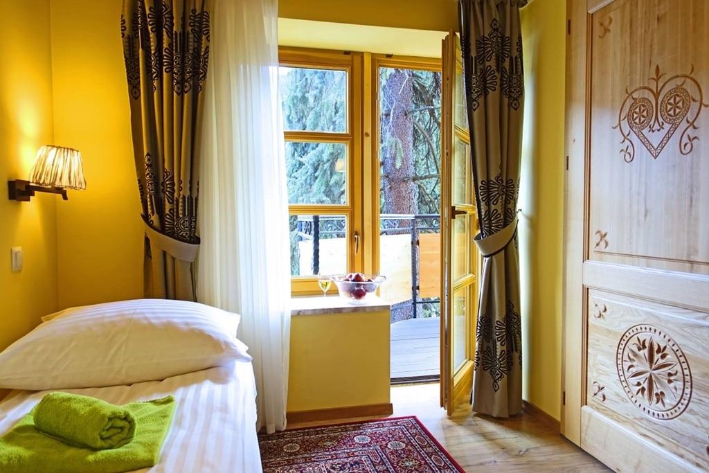 """OW """"Tatrzańska"""" - pokoj 3 os. (z 2 pomieszczeniami)"""
