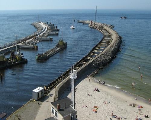 Kołobrzeg - wejście do portu