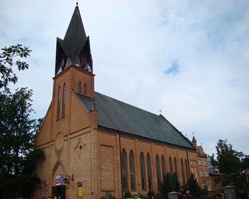 Ustronie Morskie - Kościół neogotycki