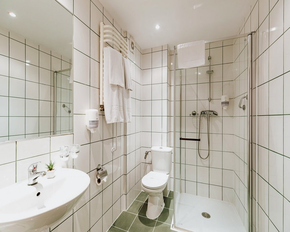Łazienka w Hotelu Gromada
