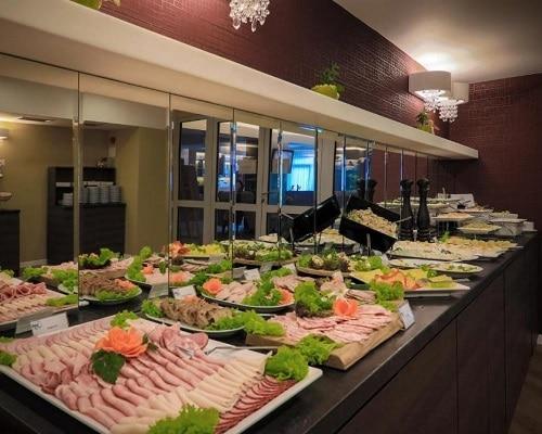 Szwedzki stół w restauracji