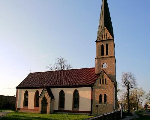 Zabytkowy kościół w Sarbinowie