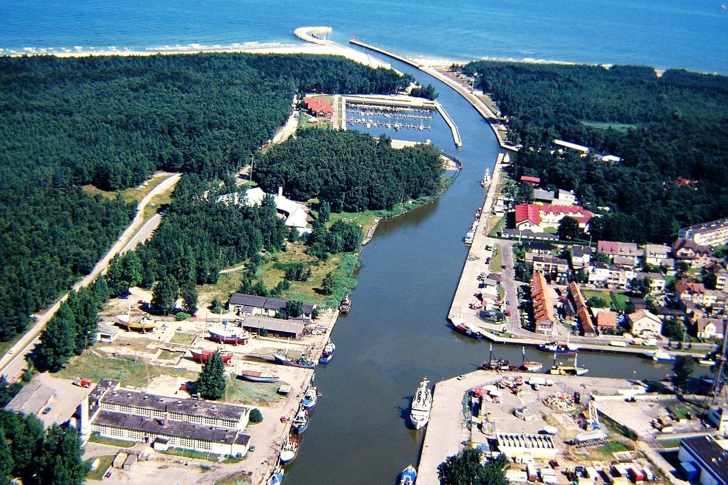 Widok na port w Łebie