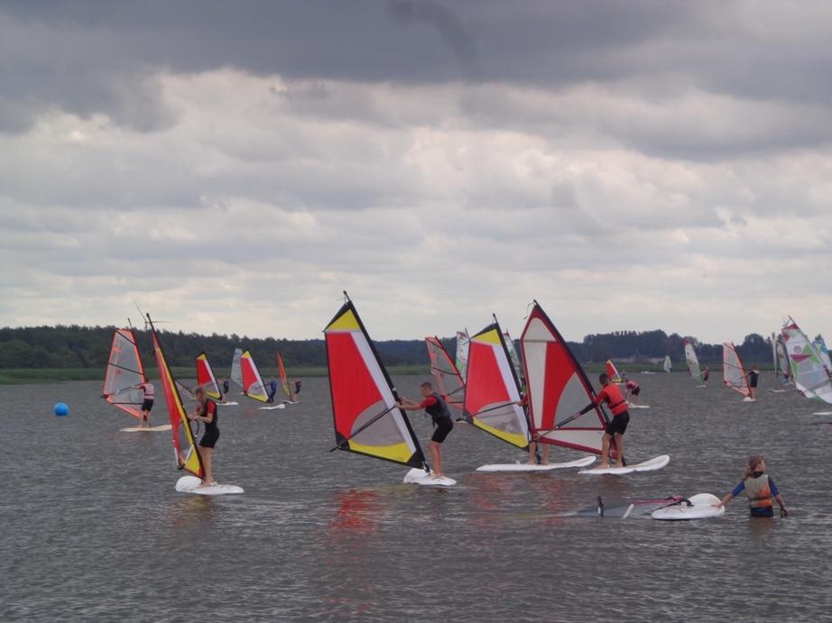 szkółka windsurfingu w Dąbkach