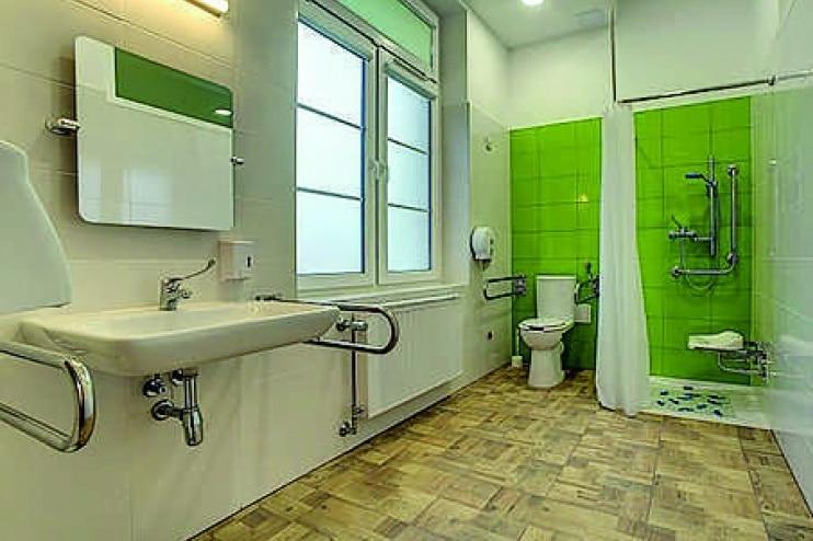 Łazienka przystosowana dla niepełnosprawnych