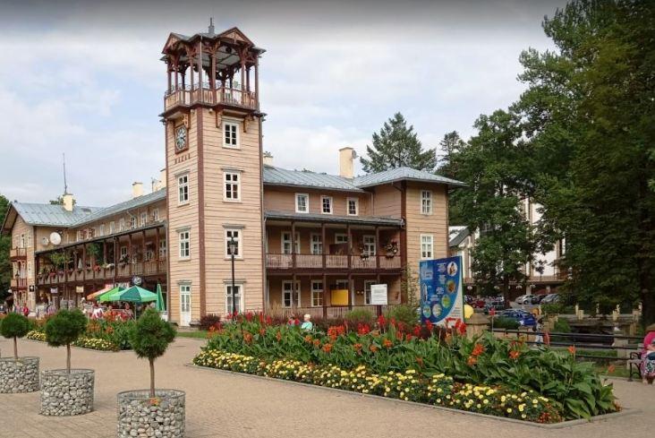 Drewniane budownictwo w centrum Iwonicza